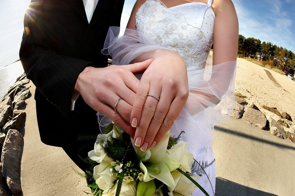 【結婚式のスピーチと同じ?】読者に読まれるセールスレターの作り方
